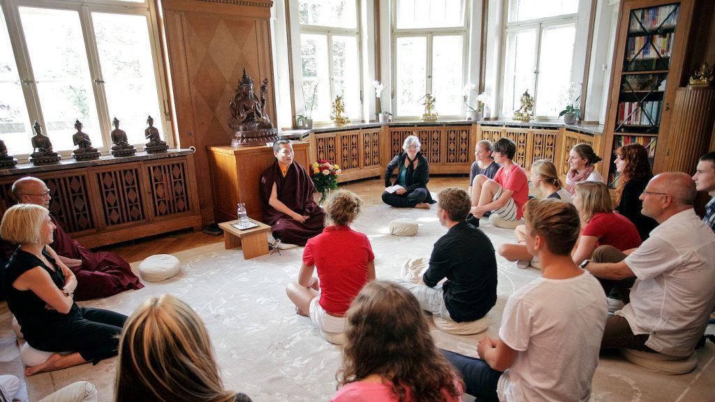 H.P. 17. Karmapa Trinley Thaye Dorje Eurooppa-keskuksessa kesällä 2012