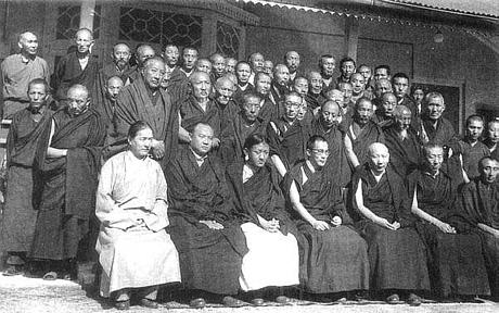 Linjanhaltijoiden kokoontuminen pian Tiibetistä pakenemisen jälkeen
