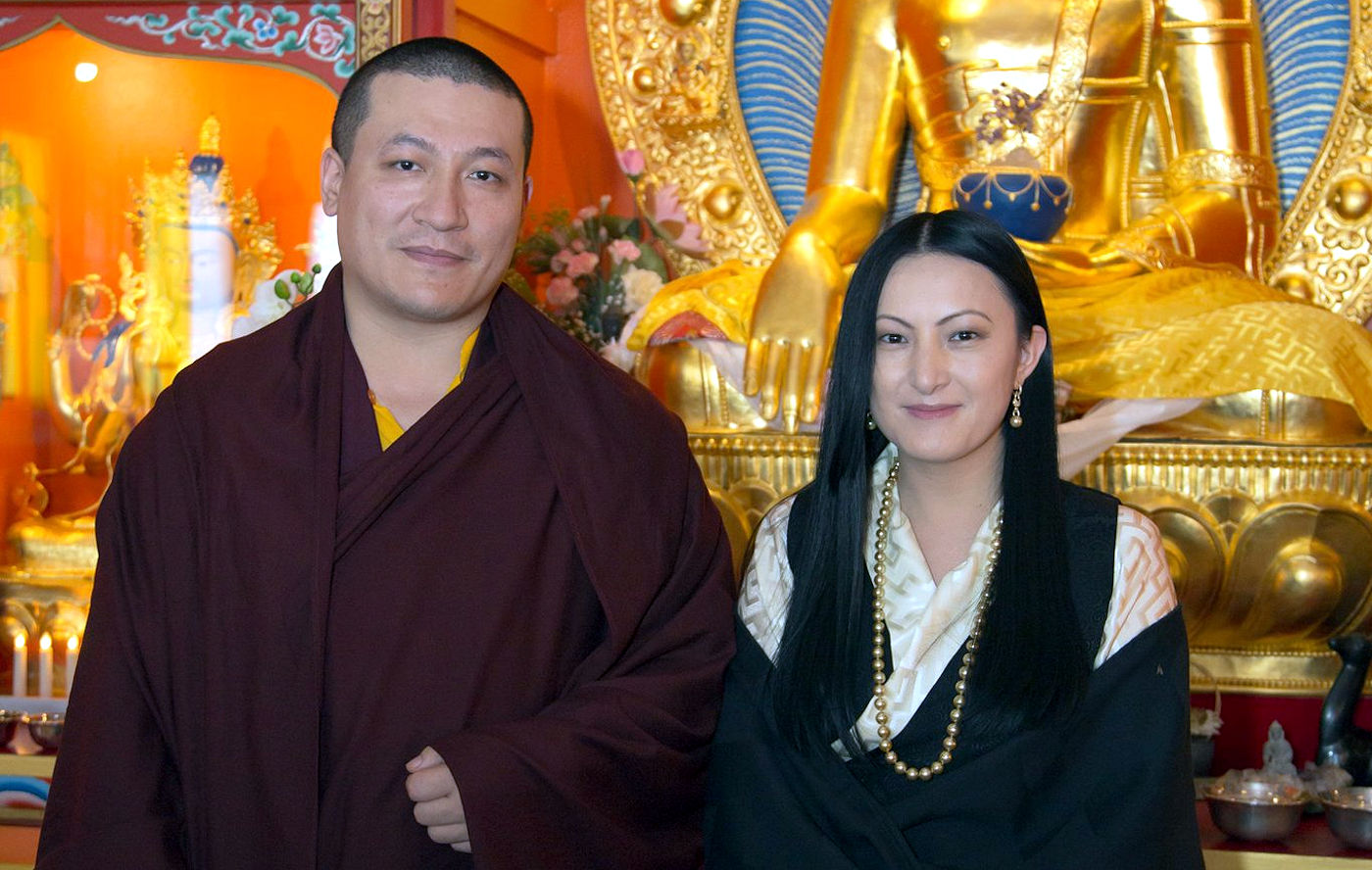 H.P. 17. Karmapa Thaye Dorje ja hänen vaimonsa Sangyumla
